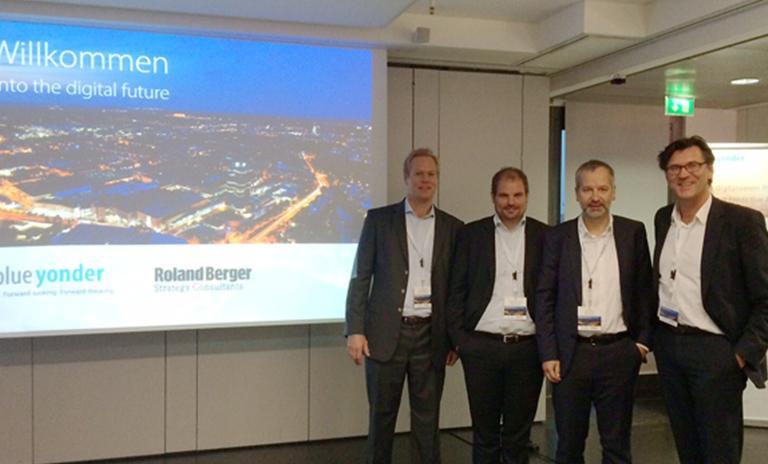 From left: Jörg Seufert, Dr. Jochen Ditsche (both Roland Berger), Uwe Weiss and Prof. Michael Feindt (both blue yonder)