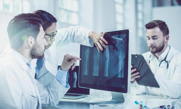 Digitalisierung in der Medizintechnik ermöglicht bessere Patientenversorgung.